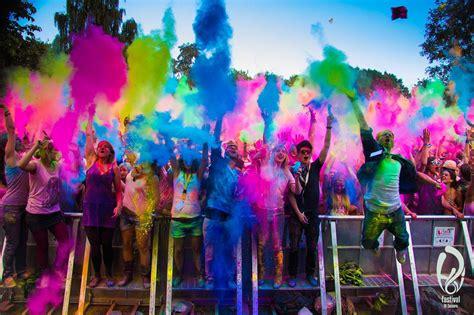 festival pics review holi festival of colours