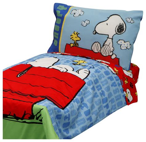 snoopy bedding 4pc snoopy toddler bedding set peanuts comforter and