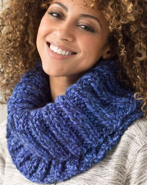 free cowl knitting patterns with bulky yarn 17 best ideas about bulky yarn on