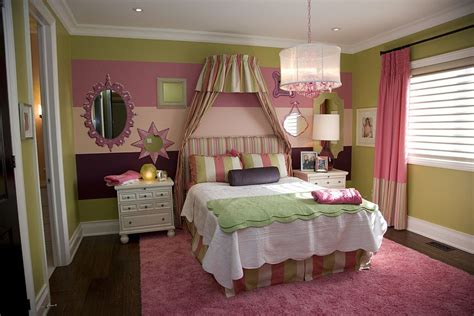 Farmhouse Home Designs 20 trendy bedrooms with striped accent walls