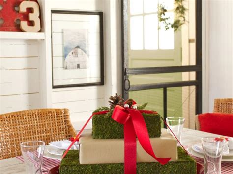 gift box centerpiece ideas centerpiece ideas with pictures for seasons and holidays