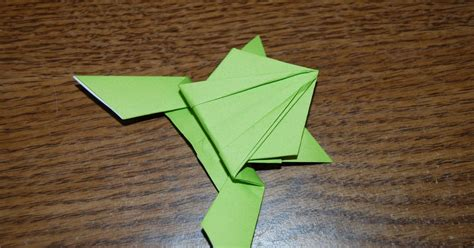 hopping frog origami epic origami the hopping frog