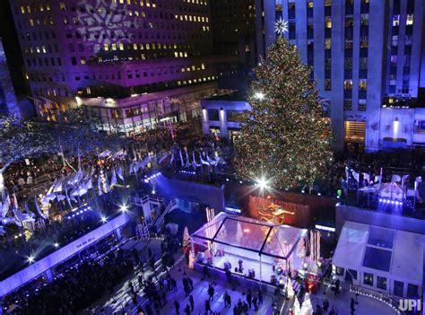rockefeller center tree lighting 2015 upi
