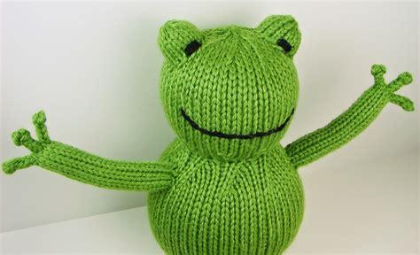 frog knitting pattern free auntie em s studio free froggy pattern
