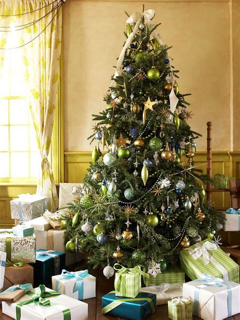 tree deco how to find your style when decorating a tree