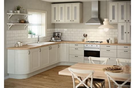 kitchen design b and q it stonefield classic style diy at b q