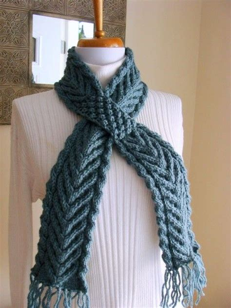 ascot scarf knitting pattern 17 best images about ascot or keyhole scarves to knit