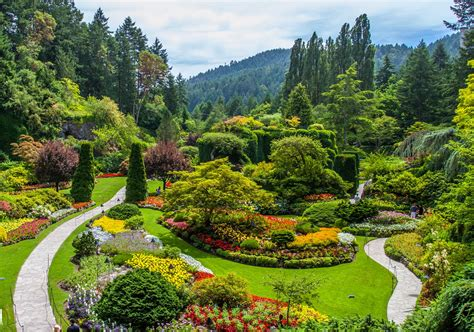 flowers gardens pictures most beautiful flower gardens in canada butchart gardens