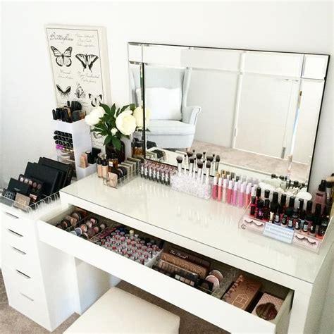 small makeup desk 25 best ideas about makeup desk on dressing