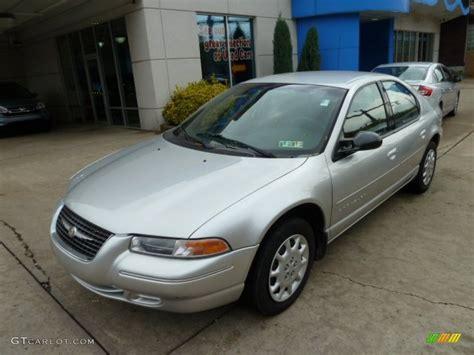 2000 Chrysler Cirrus Lx bright silver metallic 2000 chrysler cirrus lx exterior