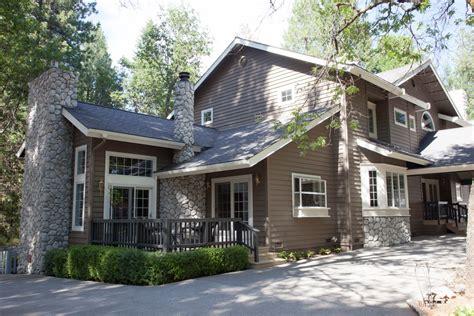 exterior paint colors lake house lake tahoe style house exterior sundance colors