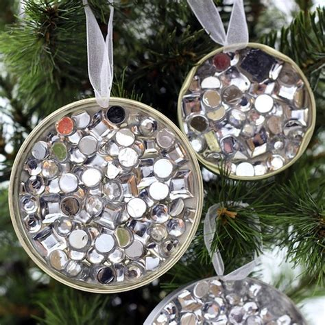 recycled materials ornaments tree decorations recycled materials holliday
