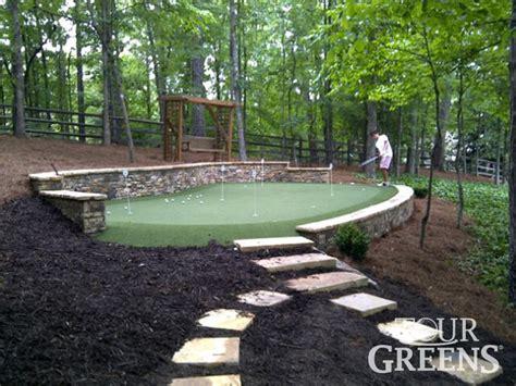 putting greens backyard best 20 backyard putting green ideas on