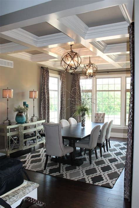 dining room table chandeliers 1000 ideas about dining room mirrors on