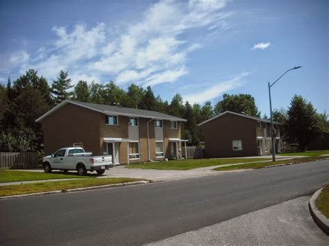 four bedroom townhomes four bedroom semi birchwood rental townhomes