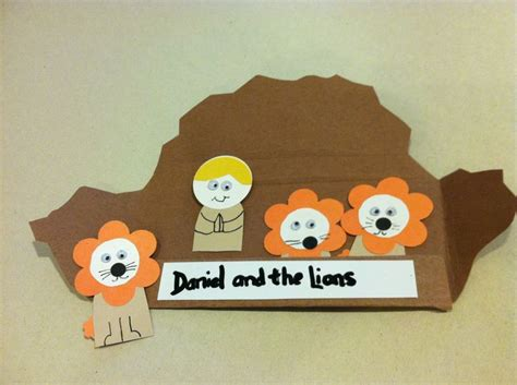 daniel and the lions den crafts for daniel in the lions den bible craft bible crafts