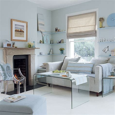 arrange furniture small living room how to arrange furniture in a small living room ehow uk