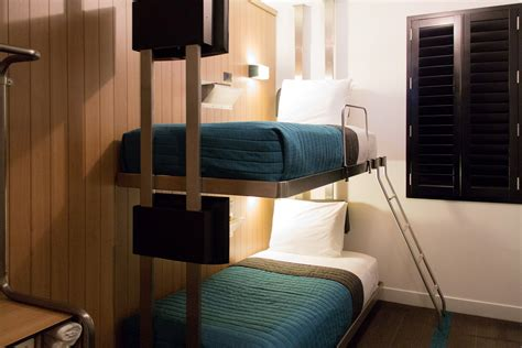 hotel bunk beds a at pod 39 hotel nyc cool