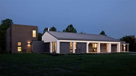 modern two storey house with streamline roof 100 news haus architecture for modern architecture
