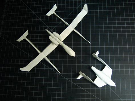 origami spaceship spaceship one and white