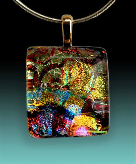 how to make glass jewelry classes in fused glass including using dichroic glass and