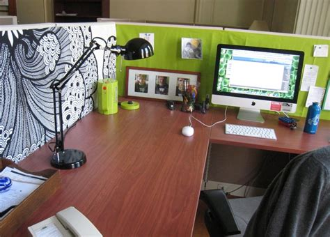 cool cubicle ideas cool cubicle desk decor house design and office cubicle