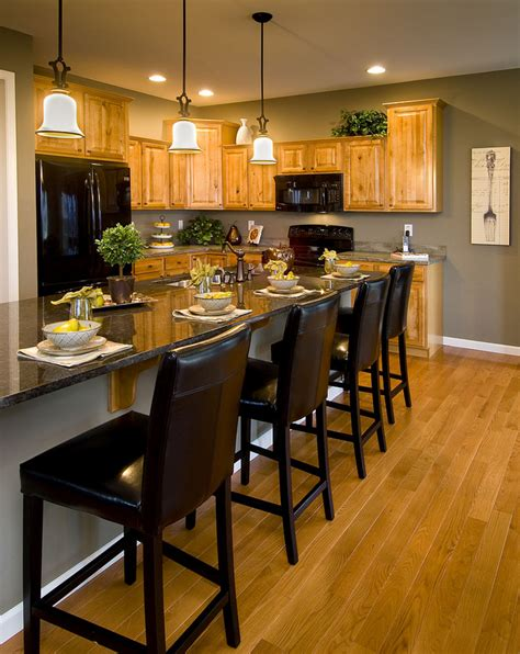paint colors for a kitchen with oak cabinets model kitchen with oak cabinets like the paint color