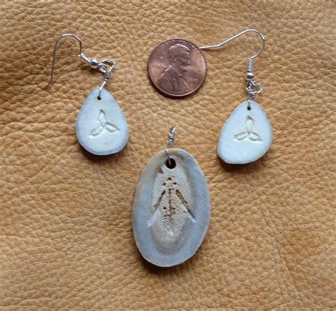 how to make antler jewelry custom deer antler jewelry by lupagreenwolf on deviantart