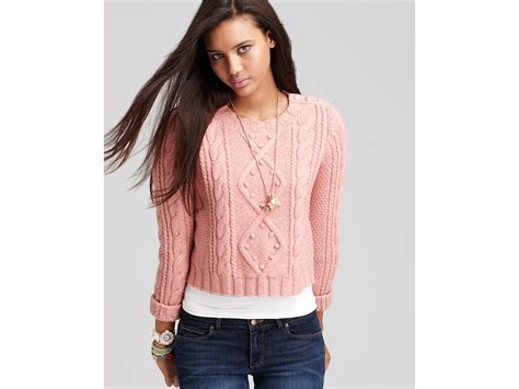 cropped cable knit sweater couture cropped cable knit sweater in lyst