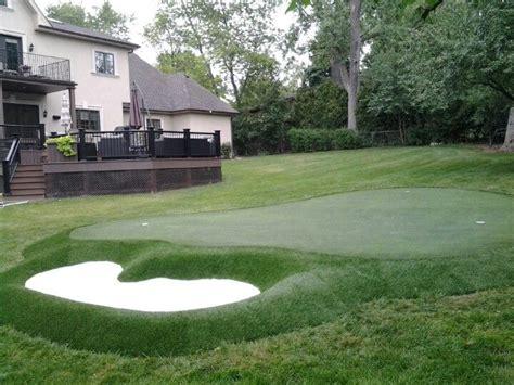 how to make a backyard putting green best 20 backyard putting green ideas on