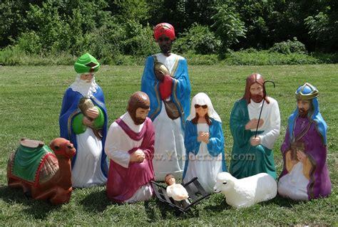 outdoor creche size outdoor nativity