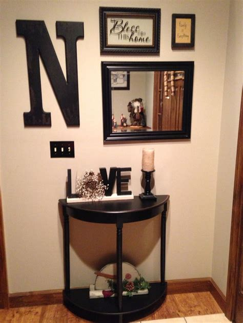decorating a small foyer best 25 small foyers ideas on entry wall