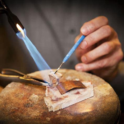 how to make custom gold jewelry custom jewelry retailers