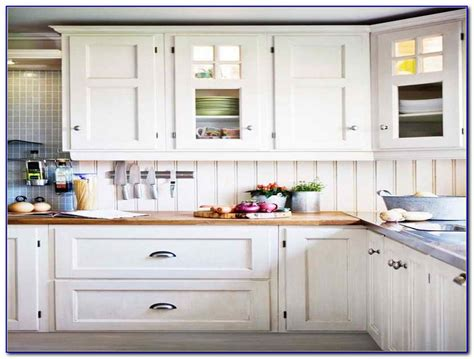 kitchen cabinet knobs ideas kitchen cabinet hardware ideas pulls or knobs 28 images