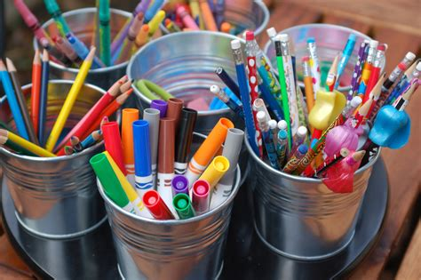 arts and crafts ideas for free arts and crafts caddy photo taken by www simplyfitmama