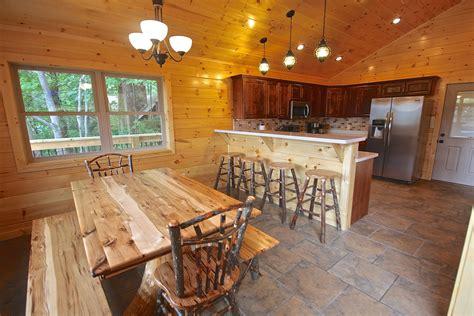 4 bedroom cabins in gatlinburg mountain hideaway a 4 bedroom cabin in gatlinburg