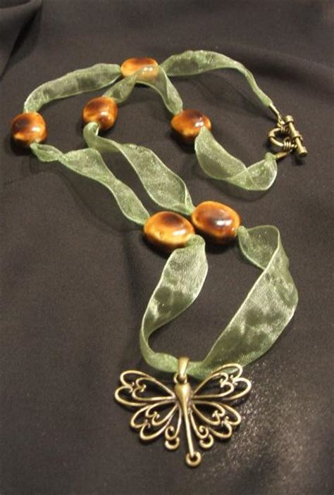 Easy Ribbon Necklace Step By Step Beading Project Beadage