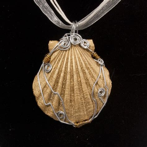 how to make jewelry with seashells seashell pendants jewelry journal