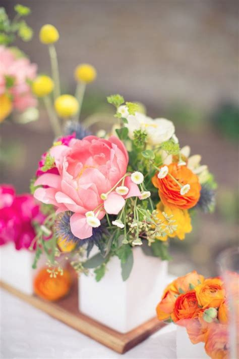 small centerpiece ideas 16 small flower centerpieces for living room decor your