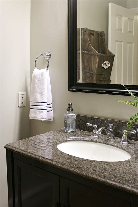 Small Bathroom Makeover Ideas by Small Bathroom Makeover And Organization Ideas Clean And