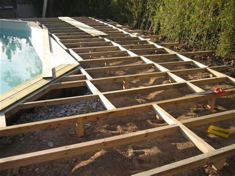 terrasse suspendue pour piscine hors sol