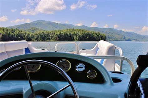 Jordan Lake Boat Rentals Pontoon by Which Boat Rental Is Right For You Jordanelle Rentals