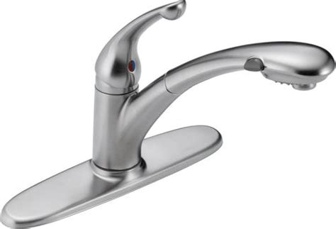delta 174 signature 174 single handle pull out sprayer kitchen faucet at menards 174