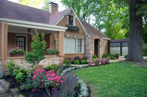 Curb Appeal :  Landscaping And Hardscaping