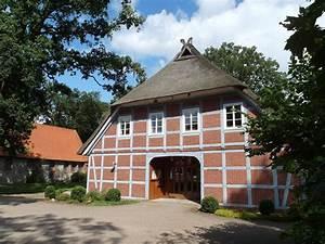 Wohnen Im Fachwerkhaus : wohnen im alter schwesternstation und b cherei sind im pfarrhaus einem fachwerkhaus von 1760 ~ Markanthonyermac.com Haus und Dekorationen