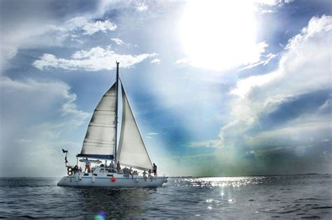 Isla Mujeres Catamaran Sailing Tour catmania best sailing company in playa mujeres cancun