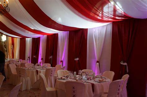 decoration plafond salles tentures salles mariage voilages drapes rideaux lumineux mariage de