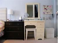 make up vanity Makeup Vanity Table with Mirror   DesignWalls.com