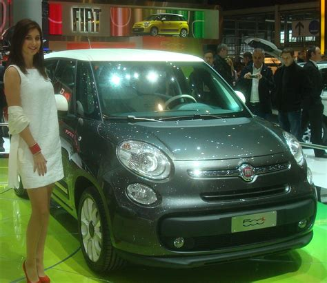 fiat 500 l 4 portes italie salon de l automobile geneve 2012 voiture de tourisme fiat i