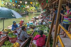 Floating Markets in Bangkok - The Best locations!